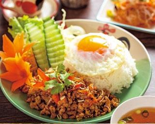 ランチも飲み会にも!親しみやすさ抜群のタイ料理店、タイめしとあれこれ カオニャオヒルズが京都にオープン