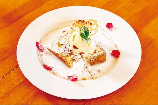 はちみつ工房芳苑 / もっちり食感の宇佐産米粉パンを使う「はちみつトースト」(530円)