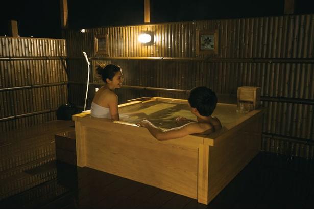 筑後川温泉 清乃屋 / 湯はほのかに硫黄の香りが漂うアルカリ性単純泉。100%源泉かけ流し