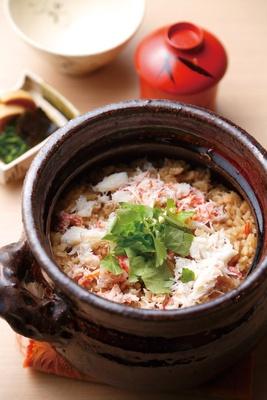 岩船産コシヒカリを、楽焼の土鍋で炊き上げる炊き込みご飯/日本料理 小西
