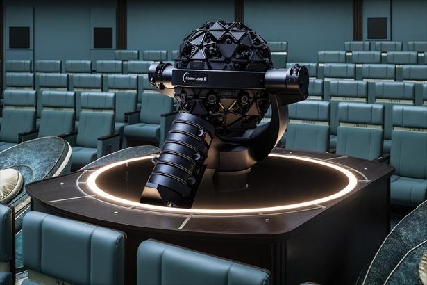 銀河シートのシングル席の並びにはコニカミノルタの最新投映機「コスモリープ シグマ」がある