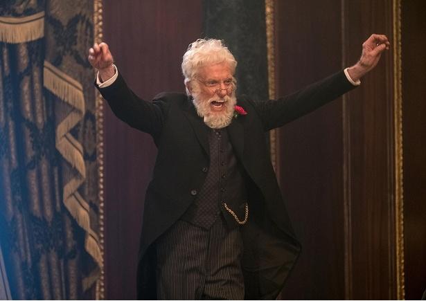 【写真を見る】え!本当に92歳!?ディック・ヴァン・ダイクがタップを踏む名シーン