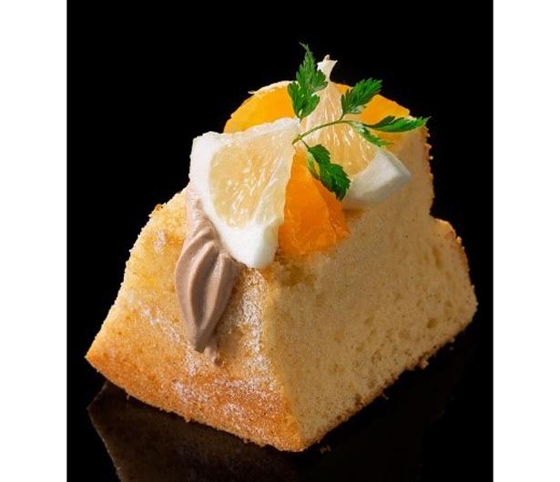 オレンジとクレープフーツを使用し、さっぱりした味わいの「オレンジ」(390円)