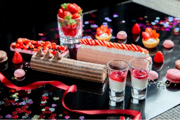 「7日間限定!アジアンブッフェ+苺とチョコのバレンタインブッフェ」