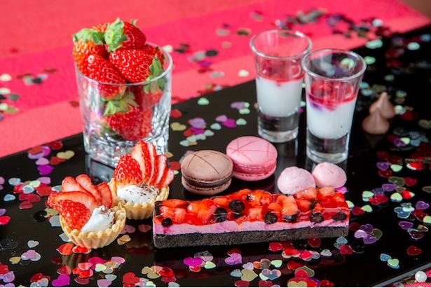 ヒルトン那覇で開催「7日間限定!アジアンブッフェ+苺とチョコのバレンタインブッフェ」