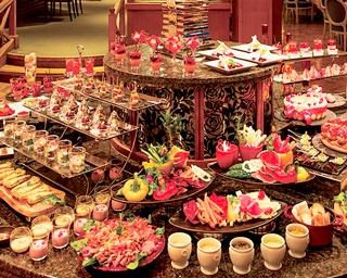 「ルネッサンス リゾート オキナワ」でバレンタインブッフェ&ディナーを開催