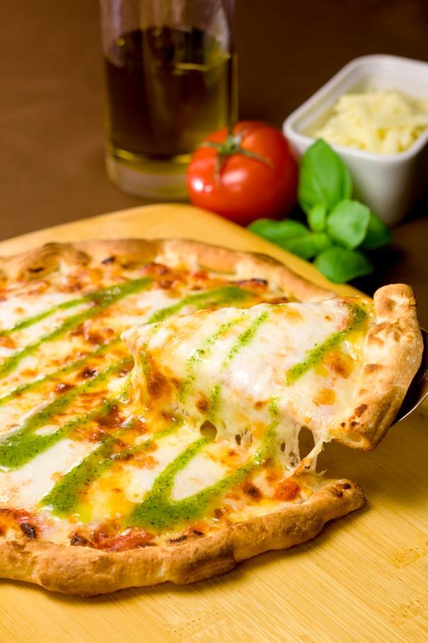 ガストの人気ピザもクーポンでお得に楽しんで!