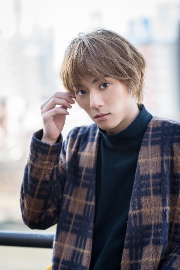 【写真を見る】永田崇人の美し過ぎる顔は思わず二度見したくなるほど!