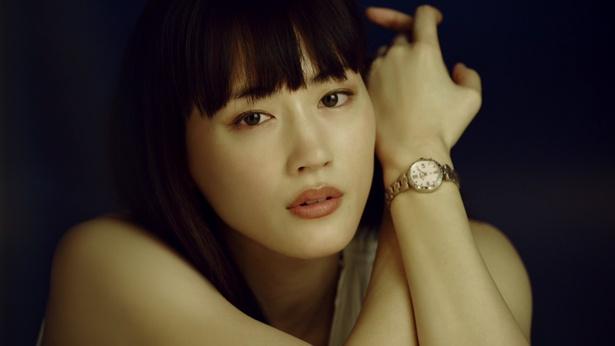 綾瀬はるかが出演するセイコーウオッチ株式会社の動画「時計をする。私が変わる。」が公開