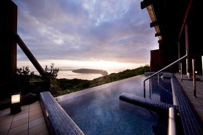 「天空の湯 休暇村紀州加太」のインフィニティ風呂