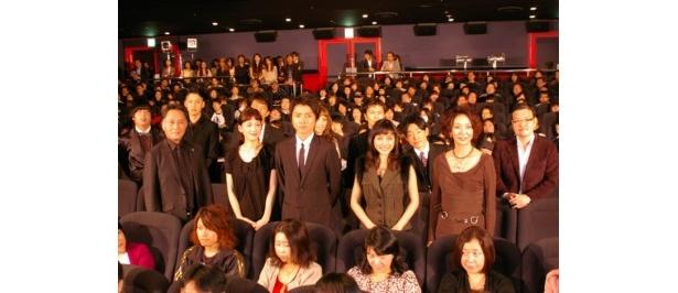 『インシテミル』初日舞台挨拶に登壇した一同