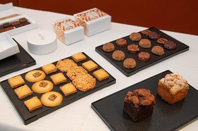 ケーキやショコラだけでなくおもたせにも使える焼き菓子も提供