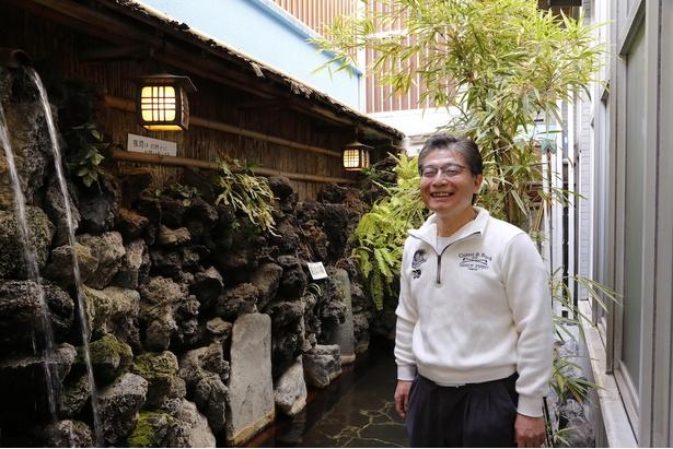 小さい頃から家の仕事を手伝い、20代で家業を継いでから銭湯ひとすじの高井さん