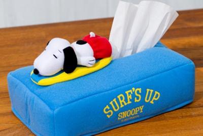 【写真を見る】「スヌーピー ティッシュケース (サーフィン)」(2052円)