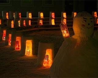 雪と灯りの共演。秋田県北秋田市で「スノーキャンドルストリート」開催