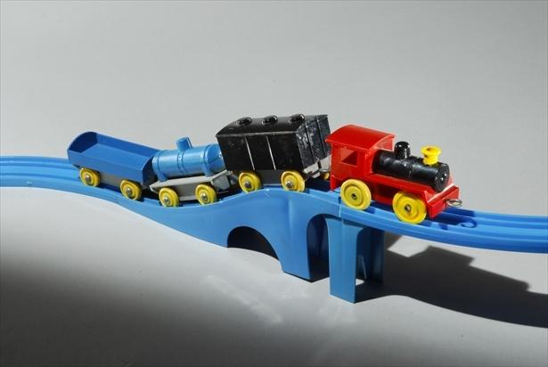 プラレールのルーツとなった「プラスチック汽車 レールセット」