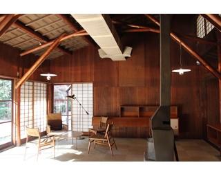 アントニン&ノエミ・レーモンド 旧井上房一郎邸(1952 年・高崎市美術館内)居間