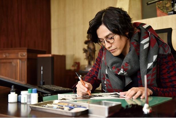 寿々男の同期で売れっ子漫画家の浦上(要潤)