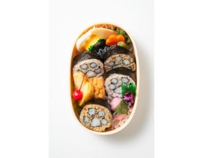 笹八の「にゃらん肉球巻弁当」(880円)