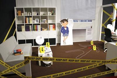 「現場検証エリア」ではヒントパネルを手がかりに探偵手帳に手がかりを書き込んでいく