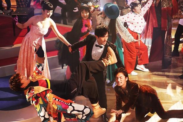 「クソ野郎と美しき世界」のトークショーのゲストは園子温監督、満島真之介、馬場ふみか、冨手麻妙