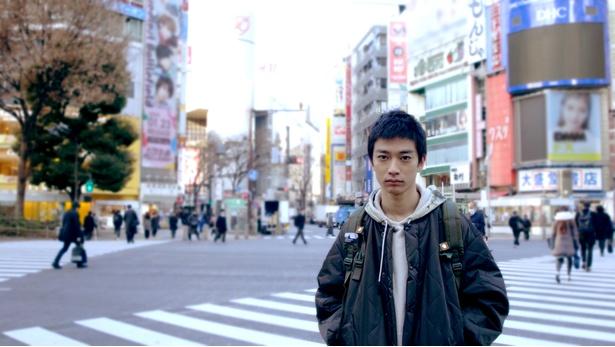 「普段はなかなかできない全力のおふざけ」と撮影を振り返る須藤