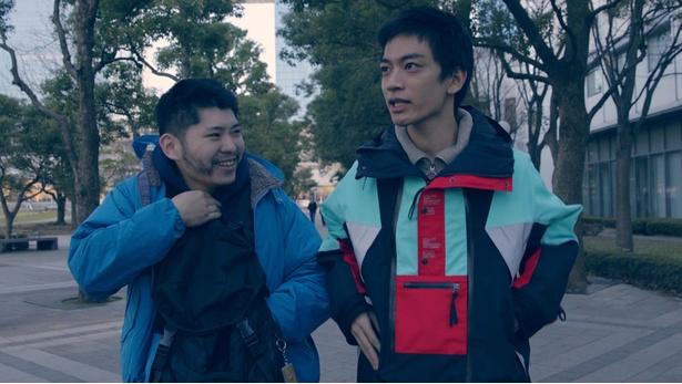 第1話には「最強の一般人」として知られる野崎くんこと野崎浩貴が出演