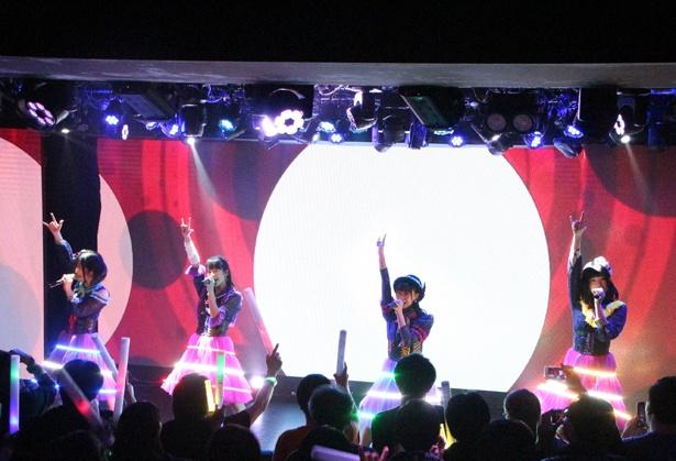 キャンディzooナイトメアのお披露目ライブ「STARTING NIGHTMARE」の様子