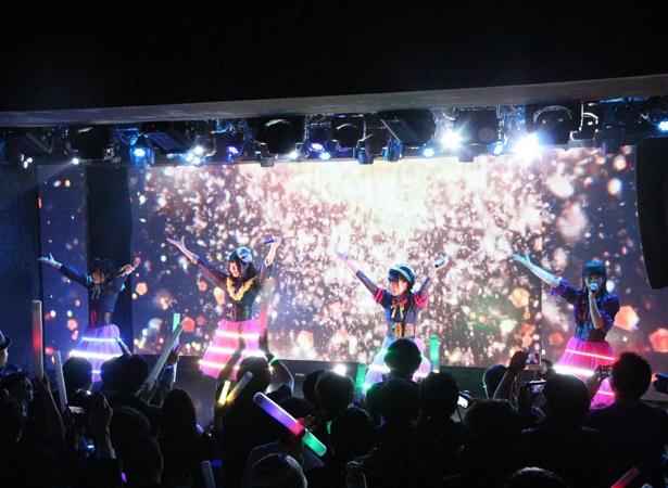 キャンディzooナイトメアが、お披露目ライブ「STARTING NIGHTMARE」を行った