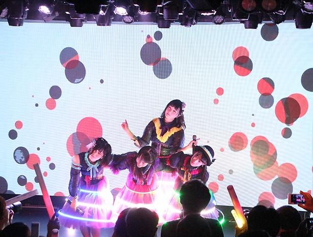 キャンディzooナイトメアのお披露目ライブでは、全4曲を披露した