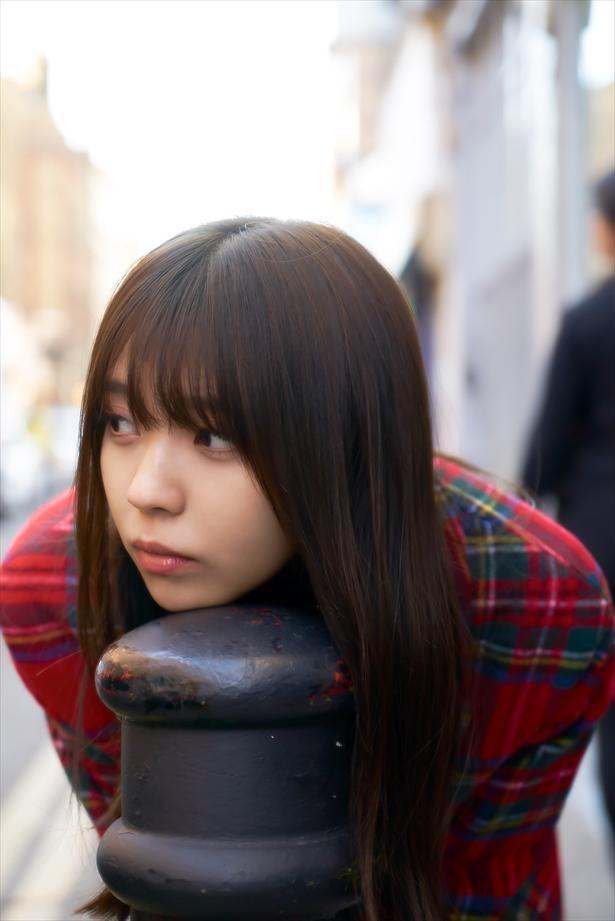 小林由依 1st写真集アザーカット(織田奈那セレクト)/撮影:鈴木心