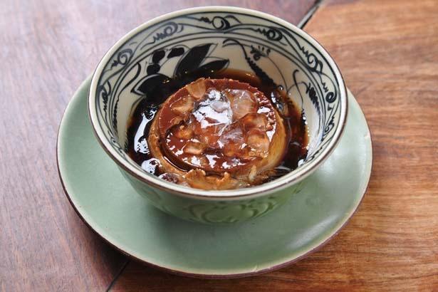 カラメルソースにベトナムコーヒーを使ったベトナムプリン(486円)は、ホーチミンのスイーツ/ベトナム料理 インドシナ