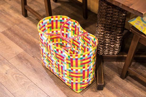 手荷物を入れるカゴもオーナー自らベトナムで買い付けたもの。カラフルでキュート/クアンコム11