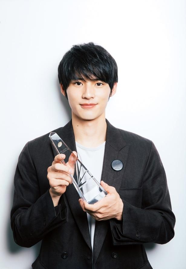 「中学聖日記」黒岩晶役で助演男優賞を受賞した岡田健史
