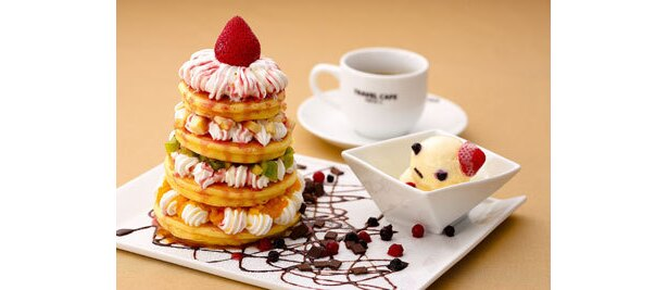ゴージャスな「HAPPYツリーパンケーキ」¥1500