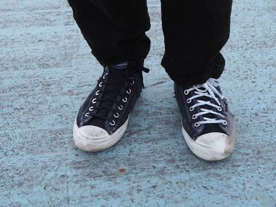 コンバースのスケートライン「CONVERSE CONS」。「シーンを見ると、ユニークな滑り方をするスケーターが多くて憧れる。靴も可愛くて、ブランドもライダーも大好きです」 / Takafumi