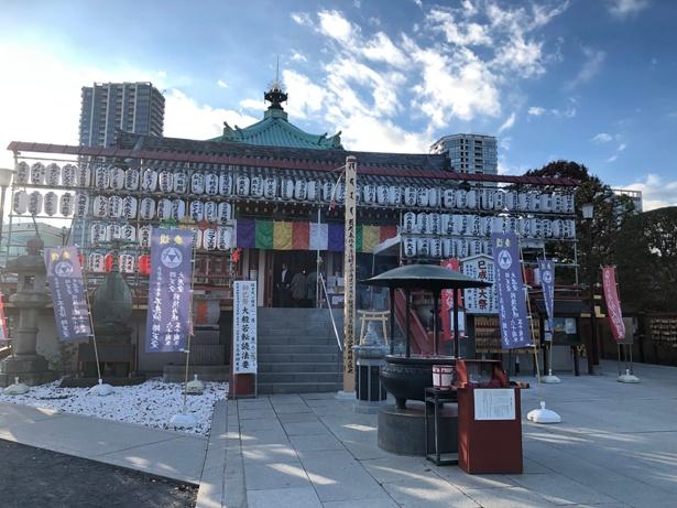 不忍池にある弁天堂は上野駅から徒歩約10分/上野恩賜公園