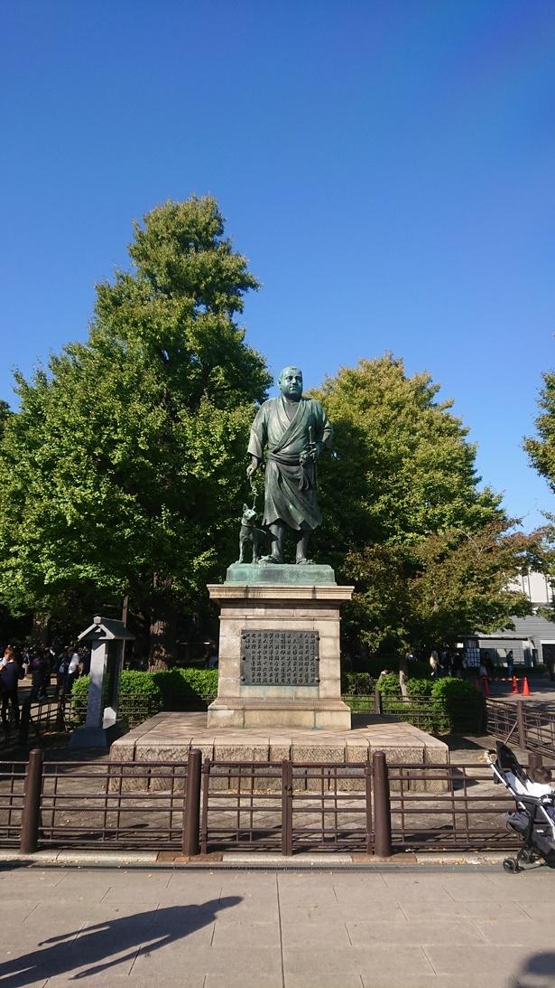 園内の西郷隆盛像は、東京を代表する光景の一つ/上野恩賜公園