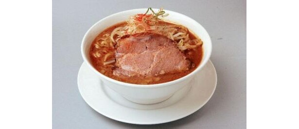 TOKYO味噌らーめん¥920 店名の由来でもある地味噌「江戸甘」を使った濃厚なスープにゆでモヤシが絶妙にマッチ/江えどあま戸甘