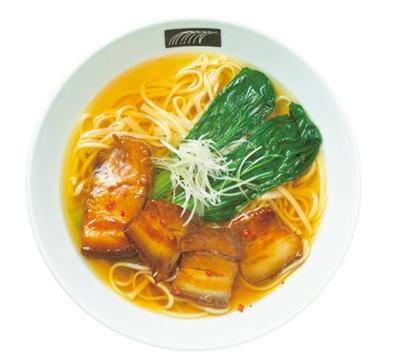 昆布・混合節ダシ×スターアニスなどを使ったトンポーローうどん(1000円)/UDON MAIN