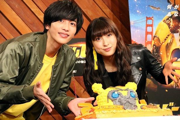 『バンブルビー』で日本語版吹替版キャストを務めた土屋太鳳と志尊淳