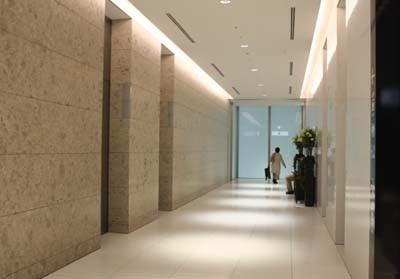 広~い廊下。「YUITO」