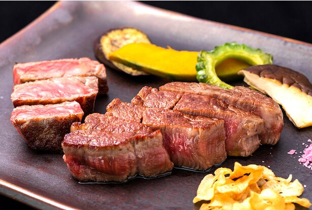 「沖縄黒毛和牛のステーキ(Okinawa Kuroge Wagyu Beef)」