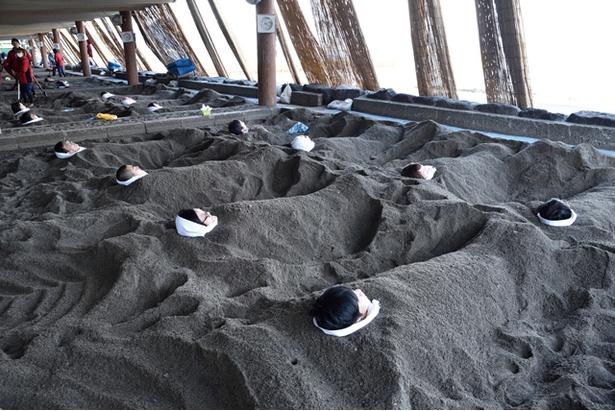 名物の砂むしを体験して心も体もリラックス / 砂むし会館砂楽