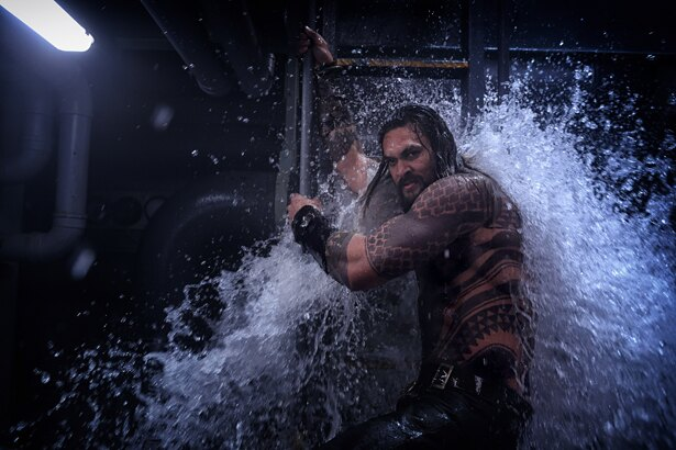 "4D版では""水""のエフェクトをダイレクトに体感できる!"