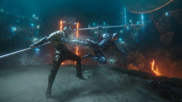 【写真を見る】海中の決闘シーンは4D版『アクアマン』最大の見せ場!