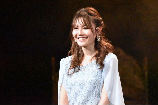 2月27日の公演に「同級生役」で出演した、日替わりゲストの込山榛香さん(AKB48)