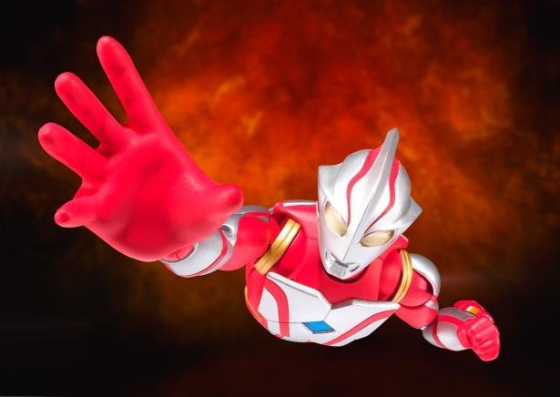歴代の平成ウルトラマンが勢ぞろい!(写真は「ULTRA-ACT ウルトラマンメビウス」)
