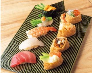 お手頃価格で種類豊富な寿司を楽しめる!和モダンな寿司居酒屋「大衆寿司 豊洲」