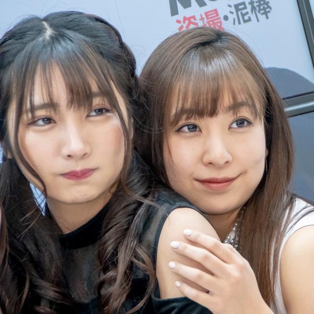 DVD発売イベントに登壇した水沢柚乃、板野成美
